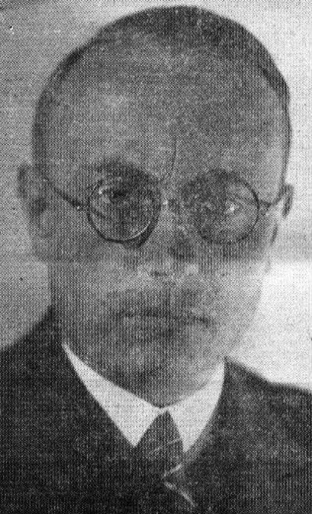 Der Dülkener Bürgermeister Dr. Gustav Mertens 1899-1977 (1932-34) stammte aus Mönchengladbach Rheindahlen.