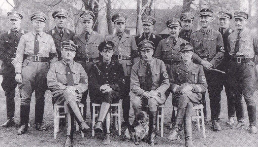 Gruppenporträt der NSDAP Ortsgruppenleitung Viersen