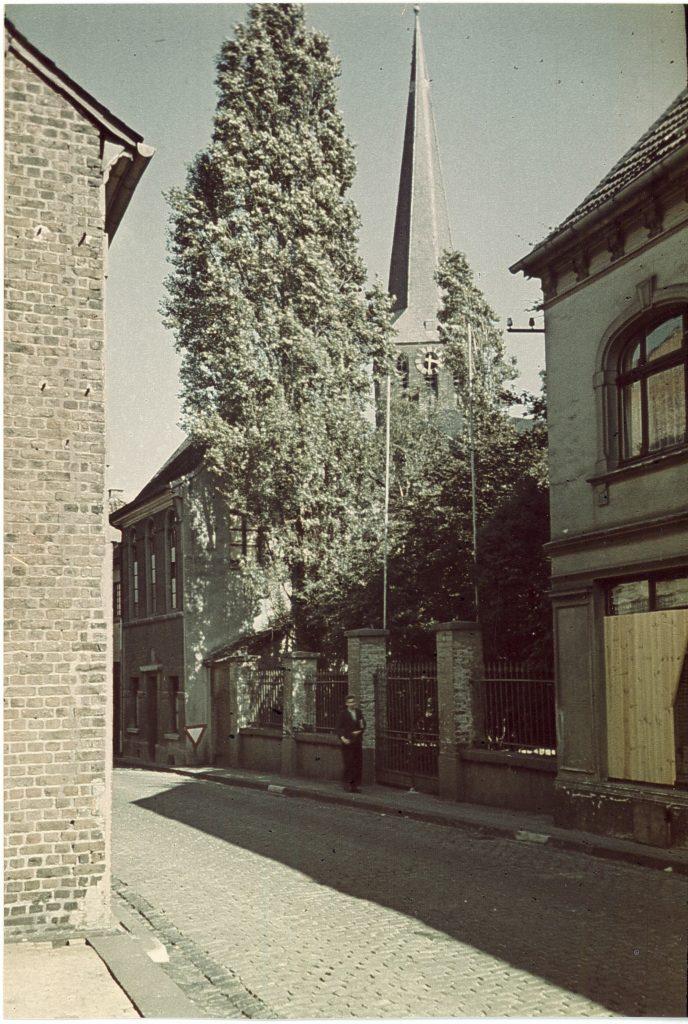 Altes jüdisches Gebetshaus von weitem
