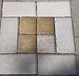 Stolpersteine in den Straßen von Viersen.
